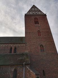 Marienkirche Treuenbrietzen rote Backsteinkirche mit Turm