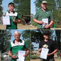Ebenfalls den zweiten Platz belegten Paul St. Günther mit 490 Ringen ( U12 Compound), Steffen Kräter mit 591 Ringen (Ü45/Ü55 Recurve), Roland Krosch mit 499 Ringen (Ü65 Recurve) und Sascha Ansorge mit guten 408 Ringen (Herren Jagdbogen)