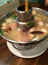 レムチャロンシーフード(Laem Cha-Roen Seafood)