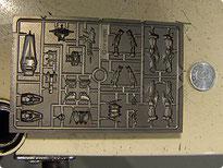 """Ejemplo de """"Die"""" (Molde metálico) utilizado para moldear las piezas de las figuras."""