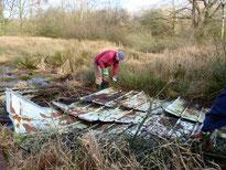 Das alte Schuppendach wurde in seine Einzelteile zerlegt und entsorgt. Foto: Sven Weiland