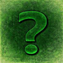 Grünes Fragezeichen vor grünem Hintergrund