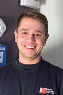 Tim Großmann Techniker im Außendienst tätig, Wartungen