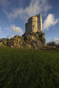 Roch Castle, Wales, thront auf dem Felsen