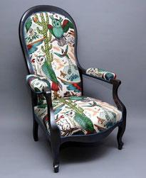 marylinegrac-tapissier d'ameublement-Fauteuil VOLTAIRE relooké entièrement. Tissu Clarke & Clarke. 60% lin et 40 % coton. Cire Libéron.