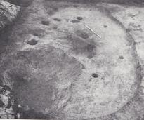 平岸坊主山遺跡で見つかった竪穴住居