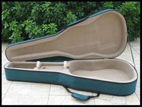 Etui housse guitare folk ouvert