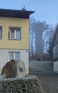 der Eckstein des alten vor dem neuen Turm