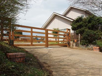 ウッドフェンス、木製門扉、施工例