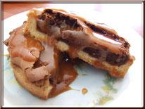 Recette des tartelettes au chocolat soufflé sauce caramel au beurre salé
