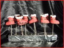 tutoriel pour réaliser des cake pops en forme de bottes de père noel, cecile cc, cake design, pâtisserie, chic choc cake, boutique en ligne