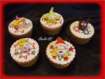 Tutoriel pour décorer des cupcakes émoticone de noel, pere noel, bonhomme de neige, lutin, renne, boule de noel, pate à sucre, cake design, patisserie, cecile cc, chic choc cake, boutique en ligne