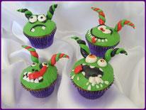 Tutoriel pour décorer des cupcakes avec des petits montres rigolos pour Halloween, un anniversaire, les p'tits cornus
