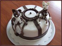 Tutoriel pour décorer un gâteau avec modelage ourson, cake design, pâte à sucre