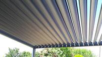Pergolas bioclimatique a lames orientable en position ouverte par l'entreprise FMA Menuiserie