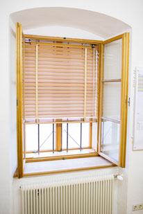 Kranz Kastenfenster Holzjalousie, Sichtschutz, Sonneschutz