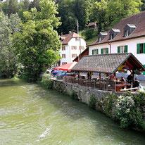 Grenzstädtchen Goumois mit schweizer und französischer Ortshälfte