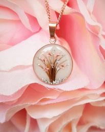 18 mm Medaillon mit Lebensbaum aus Haarsträhnen , Blüten und Blattsilber