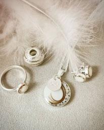 Muttermilch Set mit 3 verschiedenen Haarsträhnen, Nabelschnurflöckchen, Blattsilber, Gravurplättchen  und einer Großlochperle