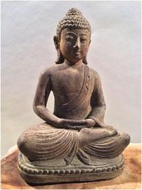 Buddha sitzend. Höhe 20cm. 30.- LETZTE STÜCKE