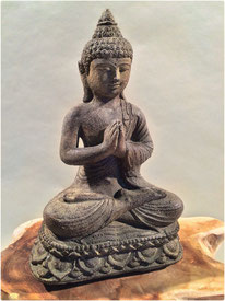 Buddha Lotus. Höhe 22cm. 35.- LETZTE STÜCKE