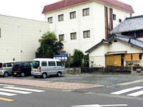 ビジネスホテルアイランド駐車場