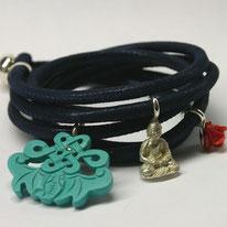 außergewöhnliches Lederarmband dunkelblau mit Buddha Türkis und Korallenrose