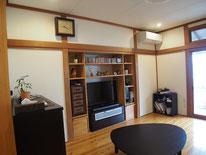 After 和室を洋室に.ちょこっと増築をして壁面に収納を押し込みました.