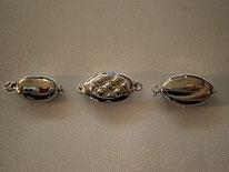 ネックレス部品の一部。ご希望に応じて様々な部品へ交換できます