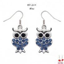 Boucles d'oreilles pendantes hiboux argentés sertis de strass bleus