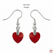 Boucles d'oreilles pendantes à coeurs rouges en acrylique