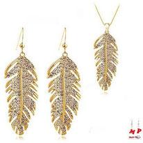 Parure boucles d'oreilles et collier pendentif plumes dorées en métal avec strass