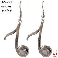 Boucles d'oreilles pendantes notes de musique argentées
