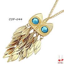 Collier à pendentif hibou doré avec ses plumes dorées et ses yeux bleus turquoise