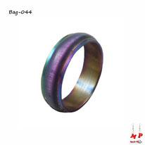 Bague violette, verte et dorée à reflets colorés en acier chirurgical
