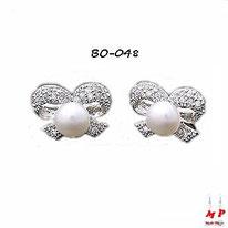 Boucles d'oreilles flots argentés sertis de strass et perles nacrées