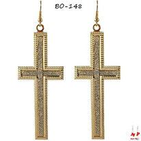 Boucles d'oreilles pendantes croix dorées et paillettes argentées