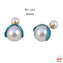 Boucles d'oreilles double perles nacrées fleurs ouvertes bleues et grises nacrées