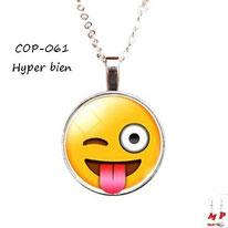 Collier à pendentif emoji émoticône hyper bien tire la langue clin d'oeil