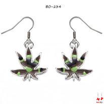 Boucles d'oreilles pendantes à feuilles de cannabis teinte treillis