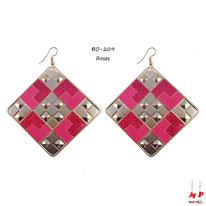Boucles d'oreilles pendantes carrées à damiers dorés et roses pailletés