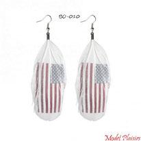 Boucles d'oreilles pendantes plumes blanches et drapeau usa