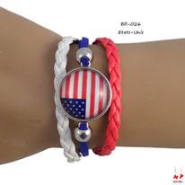 Bracelet blanc, bleu et rouge en similicuir et son drapeau d'Amérique sous dôme en verre