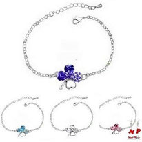 Bracelets trèfles à quatre feuilles strass bleus, blanc ou rose