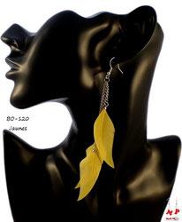 Boucles d'oreilles pendantes trois plumes et chaines argentées