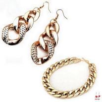 Parure boucles d'oreilles pendantes et collier gros maillons dorés
