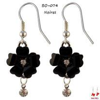 Boucles d'oreilles pendantes fleurs noires