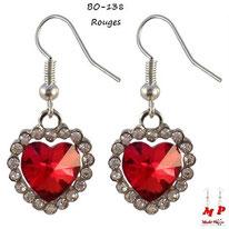 Boucles d'oreilles pendantes coeurs rouges et strass