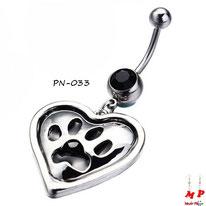 Piercing nombril pendentif coeur argenté et son empreinte de patte noire