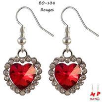 Boucles d'oreilles pendantes coeur rouge serti de strass